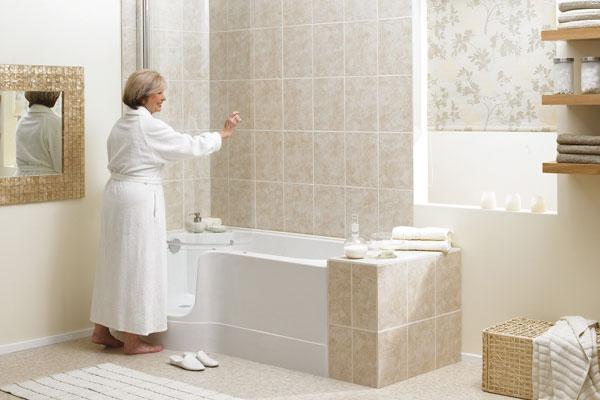 Veilig bad met lage instap inloopdouchebinnen dag be